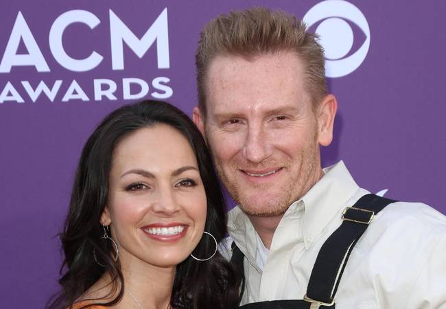 Singer Joey Feek recovering after cancer surgery