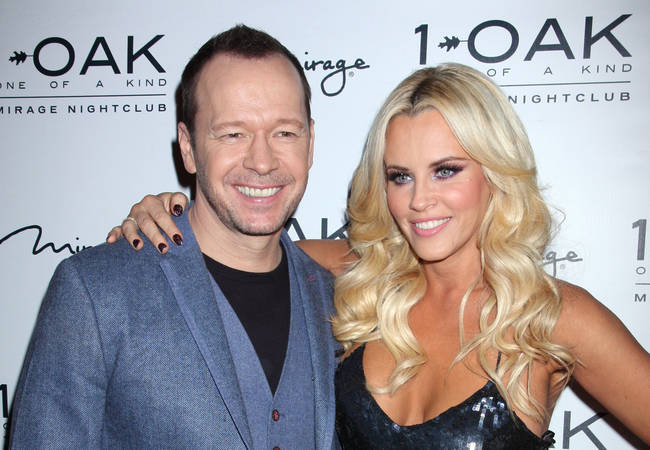 Jenny McCarthy uses FaceTime as she sleeps when Donnie Wahlberg is on tour