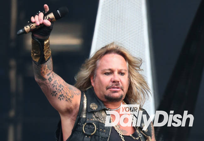 Vince Neil settles dispute over social media accounts