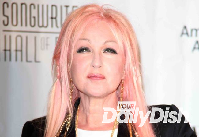 Cyndi Lauper reveals extreme psoriasis battle
