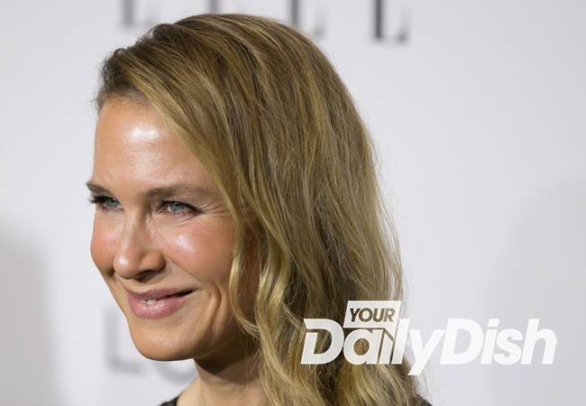 Renee Zellweger takes the ALS Ice Bucket Challenge and recycles water for her horses