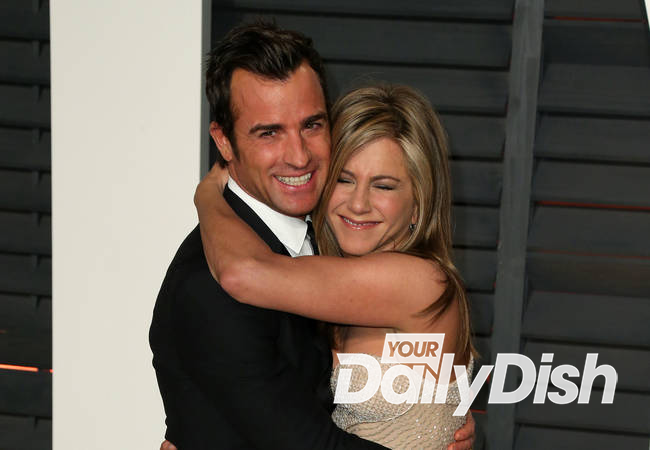 Jennifer Aniston and Justin Theroux spark wedding rumors