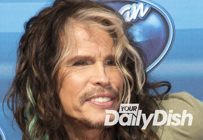 Taylor Swift duets with Steven Tyler
