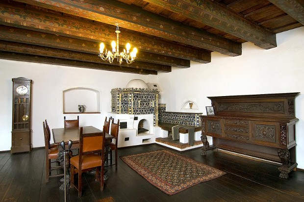 Source: Bran-castle.com / King Ferdinand's Dining Room
