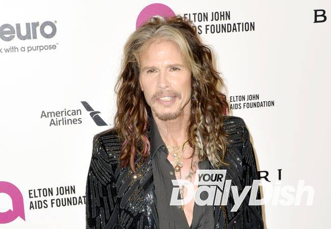 Steven Tyler rocks red carpet with new girlfriend