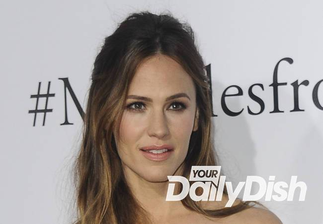 Jennifer Garner overwhelmed by