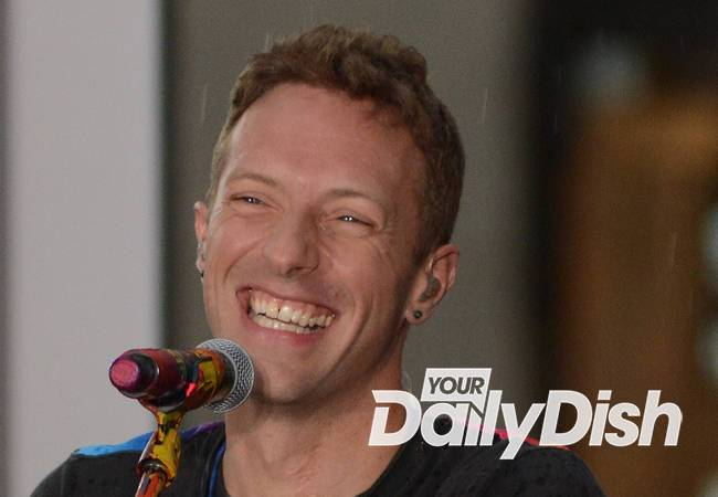 Chris Martin signs divorce papers - report