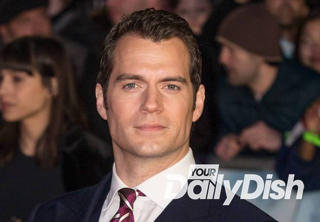 Henry Cavill joined by mom and girlfriend on red carpet