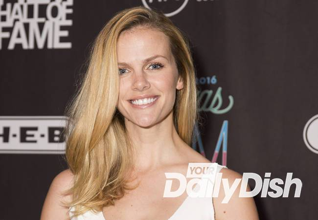 Brooklyn Decker insists she did nothing wrong in pumping plane drama