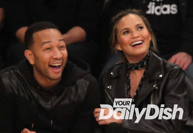 Chrissy Teigen shares first picture of baby Luna