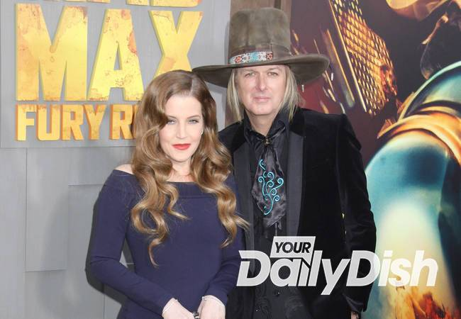 Lisa Marie Presley files for divorce