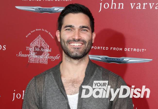 Tyler Hoechlin cast as Superman in Supergirl TV series