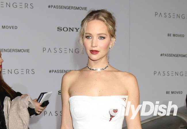 Jennifer Lawrence takes a stand against corruption by sharing shocking video