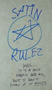 16-Bathroom-Graffiti-Satin-Rulez-175x300