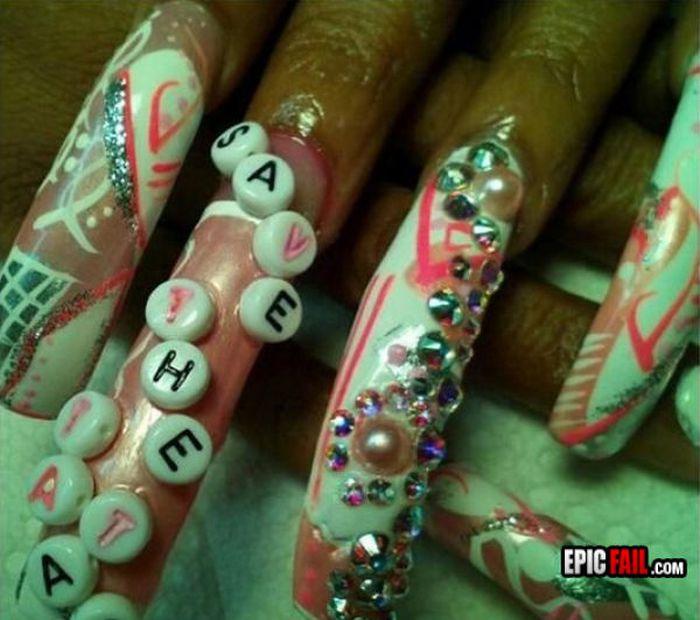 12 Epic Manicure Fails