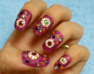 halloween_nails_horror_eye