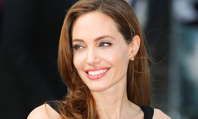 MTM_Angelina_Jolie